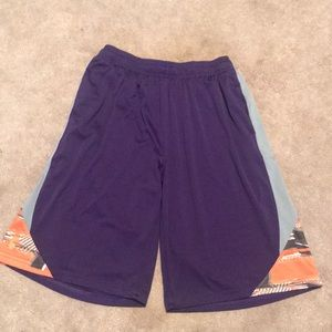Like New Youth XL Under Armour Loose Fit Shorts